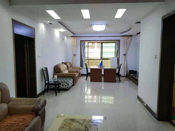 出售-燕泉路郴州监狱 五中附近3室2厅2卫 142㎡ 71万可按揭 精装修