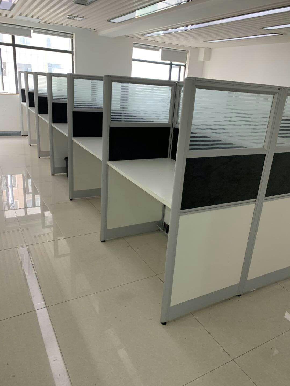 【南街二手家具家电市场】处理一批九成新办公桌