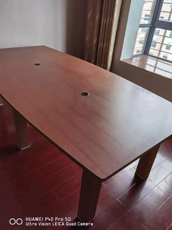 【福达二手家具中心】便宜出售一床,沙发,老板桌,会议桌,各种椅子,货柜,收银台等等
