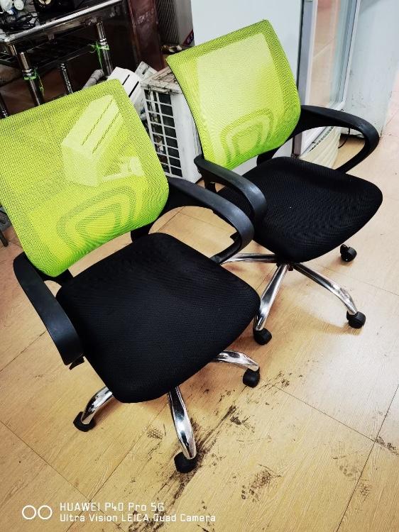 【福达二手家具中心】便宜出售一各种床,沙发,电视机,洗衣机,大量桌椅处理!!