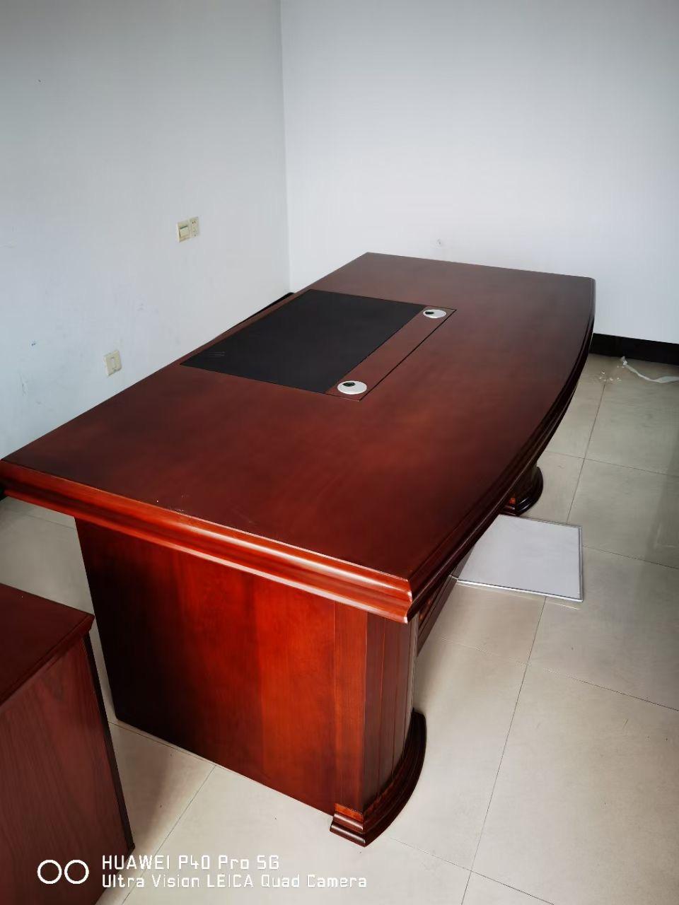 【福达二手家具中心】大量出售一办公沙发,布艺沙发,实木沙发,大量办公用品!!